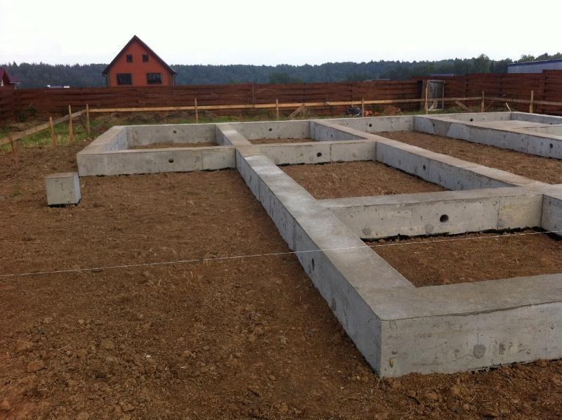 Фундамент для частного дома из сруба