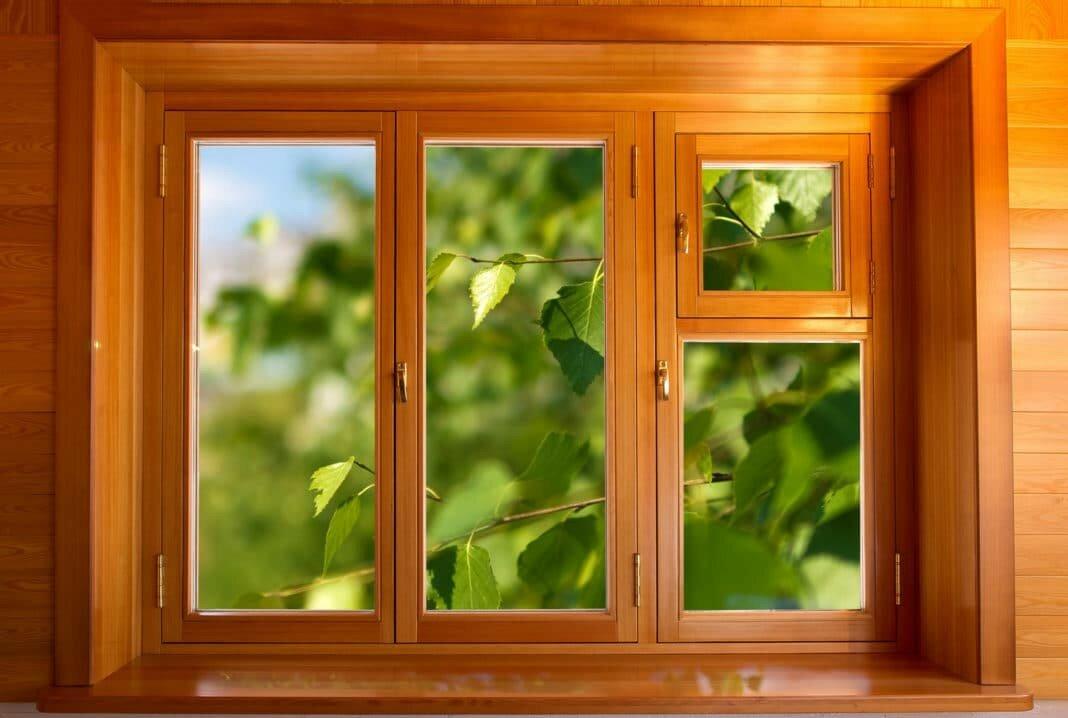 Какие окна лучше выбрать: пластиковые или деревянные?