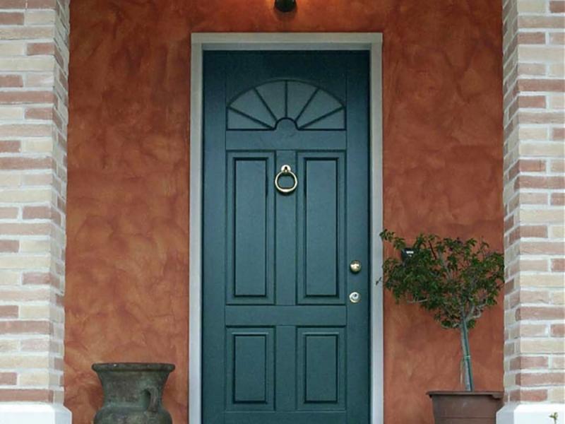 Какую дверь лучше поставить в частный дом входную с улицы чтобы не промерзала