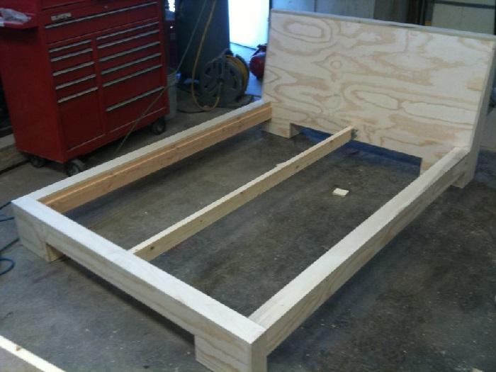 Как сделать деревянную кровать в домашних условиях