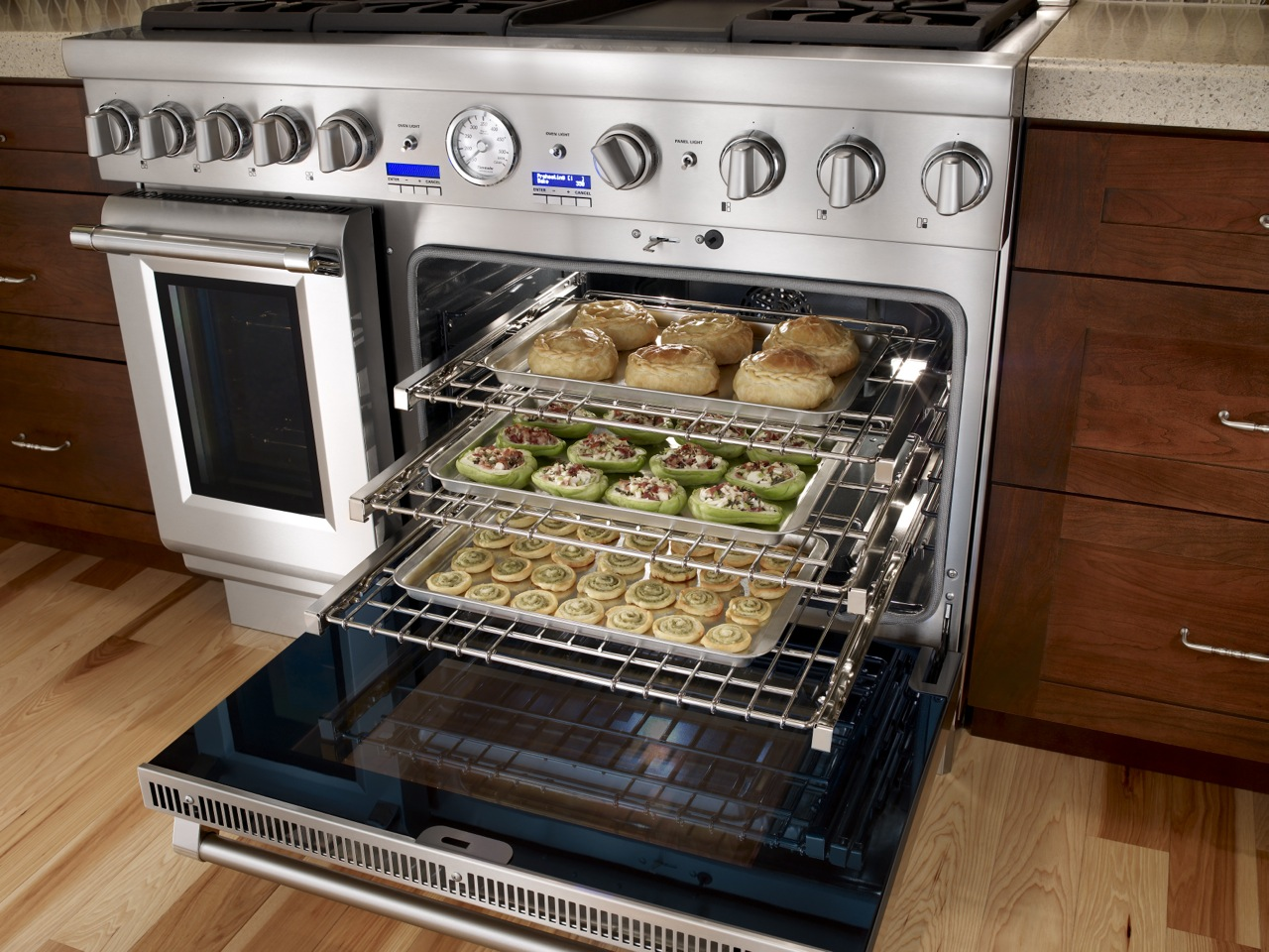 Какой духовой шкаф лучше: электрический или газовый? сравнение и отличия газовой духовки от электродуховки