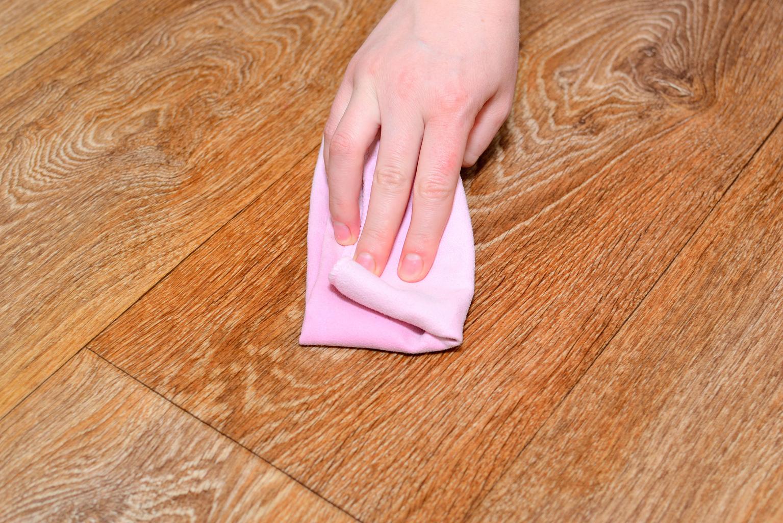 Как и чем мыть ламинат: советы и рекомендации
