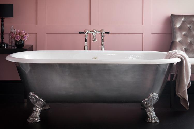 Какая ванна лучше: чугунная, стальная или акриловая?