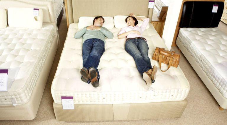 Как выбрать матрас для двуспальной кровати: полезные и нужные советы