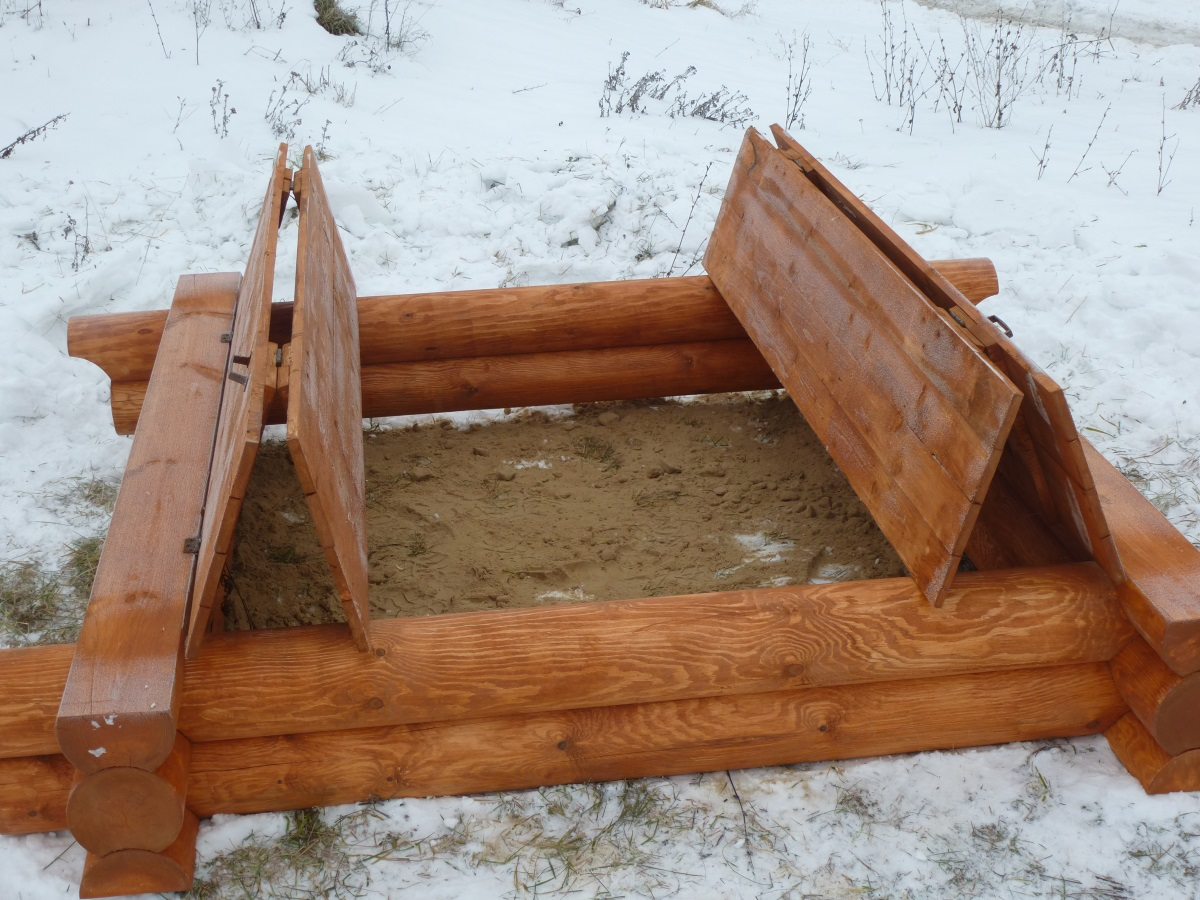 Песочница с крышкой на участке своими руками: ребёнок развлекается – родители делами занимаются