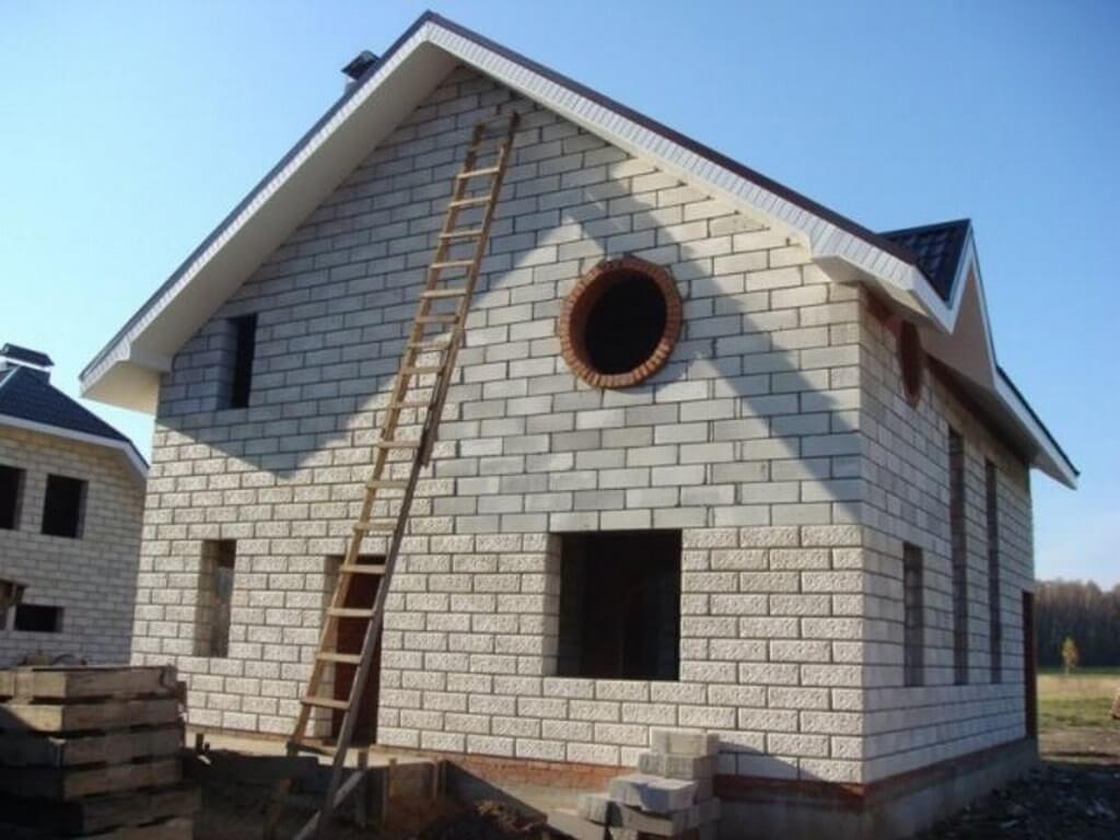 Плюсы и минусы домов из газобетона