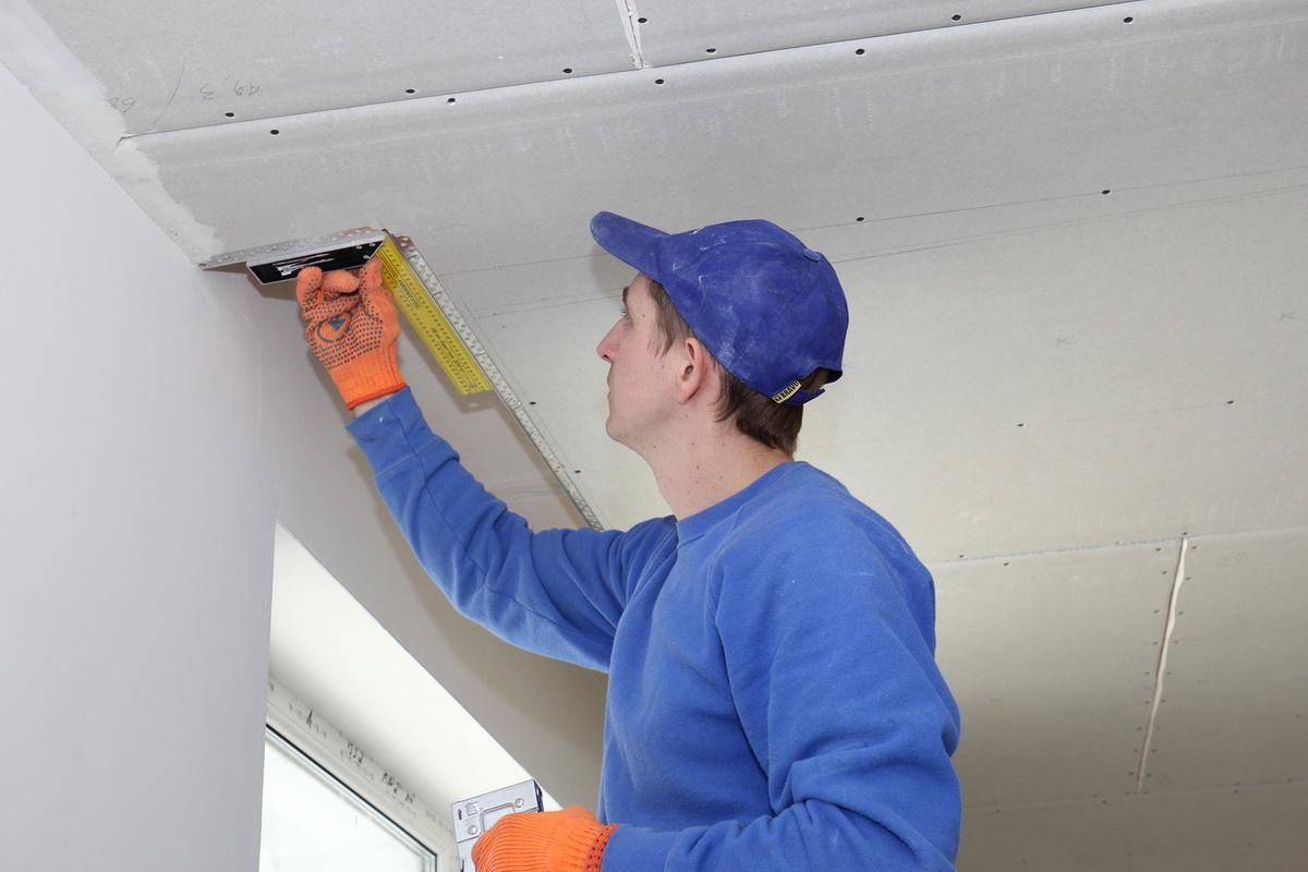 Как подготовить потолок под покраску – что и как нужно сделать