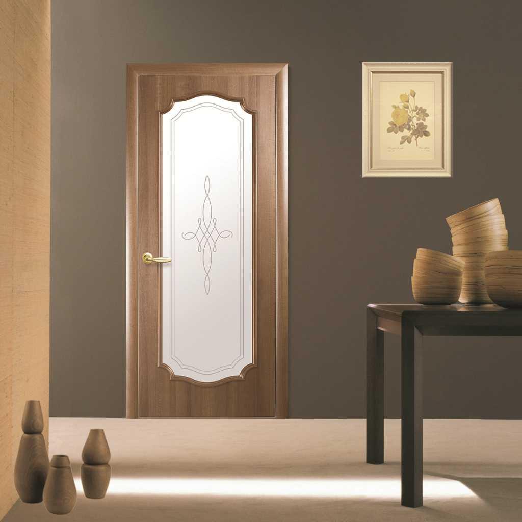 Светлые двери в интерьере квартиры: дизайн бежевых межкомнатных проемов, реальные фото