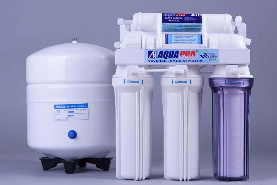 Сравнение фильтров гейзер и аквафор: какой из них лучше, отзывы пользователей